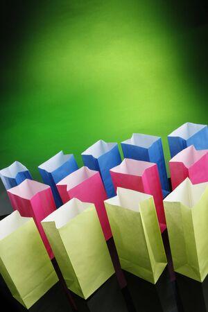 reciclable: Bolsas de papel reciclable de regalo