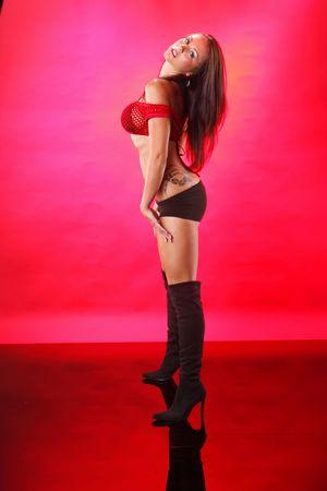 Maigre tenue sur un ensemble de rouge Banque d'images - 7172887