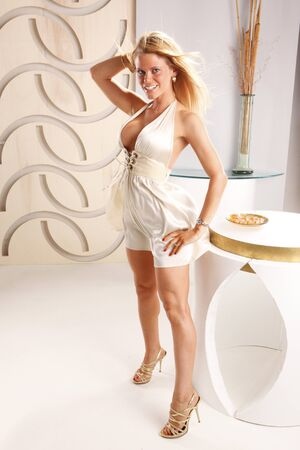 lounge: Blond gets ready for a date