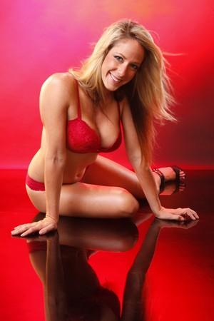 undies: Cute blond in lace bikini