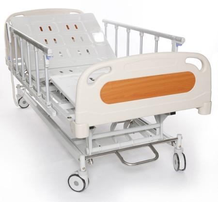 paciente en camilla: Mobile y Camilla de hospital ajustable  Foto de archivo