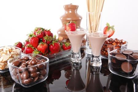 Licor de crema de chocolate y fresa foundue de chocolate Foto de archivo - 8335149