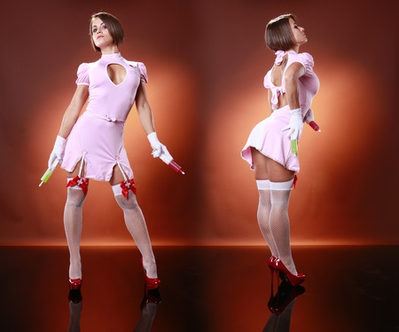 gelatina: Sexys enfermera y gelatina c�cteles jeringas Foto de archivo