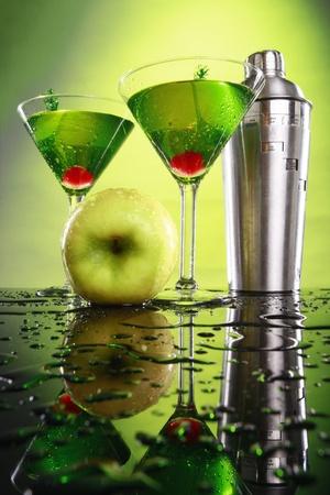 martini shaker: Apple martini and shaker