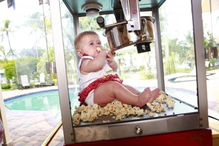 little baby popcorn machine Stock Photo - 18122699