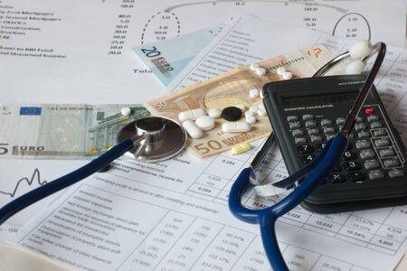 Vorschlag auf Kosten im Gesundheitswesen Lizenzfreie Bilder