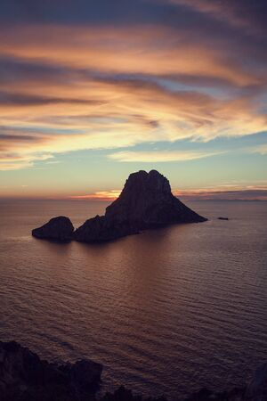 Magical Seascape of sunset on Es Vedra island, Ibiza, Baleares, Spain - Image Banco de Imagens