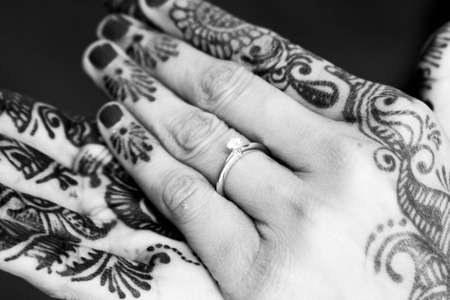 indian bride: Henna displayed on the hand of a new Indian bride