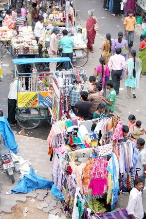 Hyderabad,AP,India-August 8,2011- Street market on the roadside of busy shopping  area. Stock Photo - 11078955