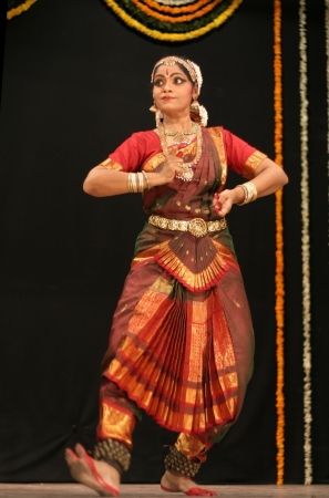 Hyderabad,Ap,India-May 12,2012- Shantha srikanth performs Bharatanatyam dance ,popular classical dance form of Tamil Nadu. in Nrithya Hela at ravindra bharati. Stock Photo - 13686292