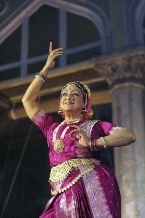 Hyderabad,Ap,India-April 19,2012 -Dr.Padma Subramaniam performing Bharathanrithyam during heritage week at chowmohalla palace built in 1869 by Nizams of Hyderabad state  Stock Photo - 13685518