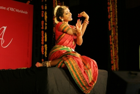 andhra: Hyderabad,Ap,India- August 08,2012-Yashoda Thakore performing Vilasini Natyam Indian classical dance form originating from Andhra Pradesh, a theatrical dance tradition. Editorial