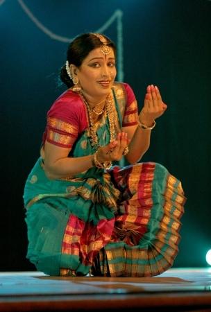 indian classical dance: Hyderabad,Ap,India- August 24,2012:Smt Rajeswari sainath performing Bharatanatyam during anniversary celebration of vyshnavie dance academy at Ravindra Bharati.