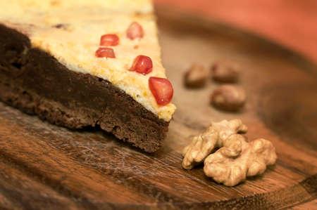 decoracion de pasteles: Pastel de chocolate casero con la tuerca