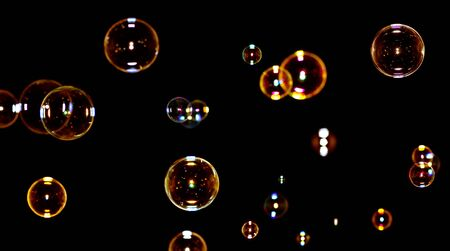 soap bubbles: Color Seifenblasen auf schwarz