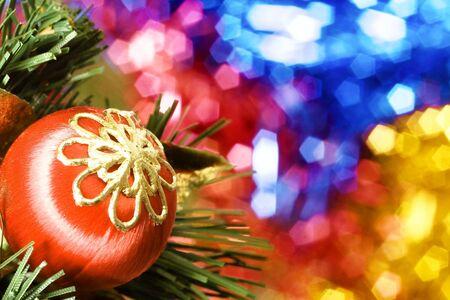 christmastree: christmas-tree balls