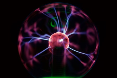 zelektryzować: Tesla Piorun z osocza kulki Zdjęcie Seryjne