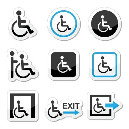 discapacidad: Hombre en silla de ruedas, con discapacidad, los iconos de las salidas de emergencia establecido