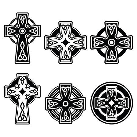 celtico: Irlandese, scozzese croce celtica su bianco segno vettoriale Vettoriali