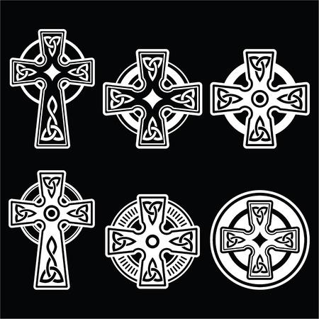 keltische muster: Irischen, schottischen Celtic wei�es Kreuz auf schwarzem