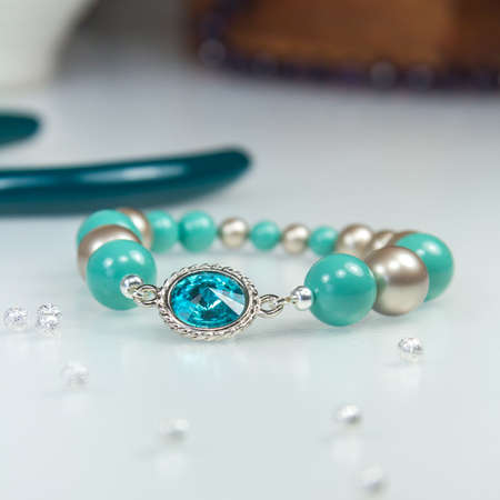 cristal: Bracelet with Swarowski Blue and Silver Beads, Pears and Cristal Stone