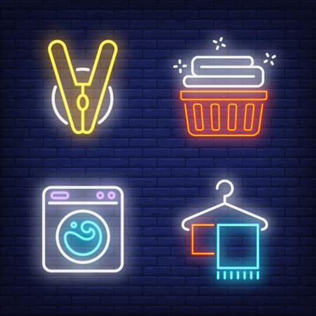 Machine à laver, linge propre et ensemble d'enseignes au néon de pince à linge. Service de blanchisserie et conception de travaux ménagers. Enseigne lumineuse au néon de nuit, panneau d'affichage coloré, bannière lumineuse. Illustration vectorielle dans un style néon. Vecteurs