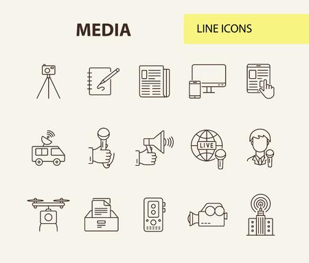 Icone multimediali. Collezione di icone di linea su sfondo bianco. Megafono, satellite, app di notizie. Concetto di mass media. L'illustrazione vettoriale può essere utilizzata per argomenti come televisione, notizie, informazioni Vettoriali