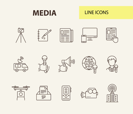 Media icons. Line icons collection on white background. Megaphone, satellite, news app. Mass media concept. Vector illustration can be used for topic like television, news, information Vecteurs