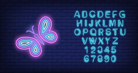 Bright butterfly neon sign. Nature, summer and beauty concept design. Night bright neon sign, colorful billboard, light banner. Vector illustration in neon style. Vecteurs