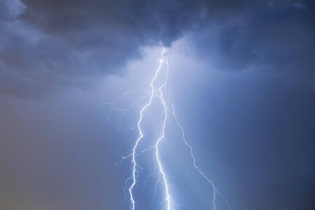 chmury i grzmoty błyskawice i burza Zdjęcie Seryjne