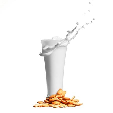 splash melk in glazen en koekjes