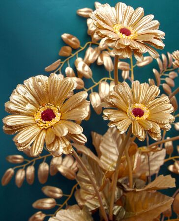 transfused: The Decorative flowers-es of the gilded color.