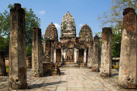 buddhismus: Ancient Khmer temple in Sukhothai, Thailand