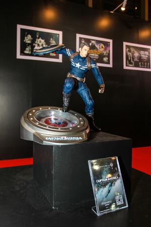 avenger: Bangkok 02 de mayo: Un modelo de Capit�n Am�rica en Tailandia Comic Con 2015 de 02 de mayo 2015 en Siam Paragon en Bangkok Tailandia.
