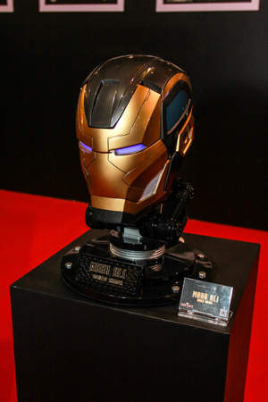 avenger: Bangkok - 02 de mayo: Un modelo de m�scara de hierro El hombre en Tailandia Comic Con 2015 el 2 de mayo de 2015 a Siam Paragon, Bangkok, Tailandia.