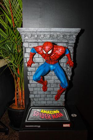 vengador: Bangkok - 02 de mayo: Un modelo de Spiderman en Tailandia Comic Con 2015 el 2 de mayo de 2015 a Siam Paragon, Bangkok, Tailandia.