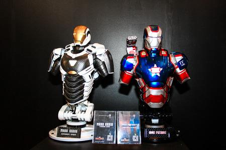 vengador: Bangkok - 02 de mayo: Un modelo de Iron Man en Tailandia Comic Con 2015 el 2 de mayo de 2015 a Siam Paragon, Bangkok, Tailandia. Editorial