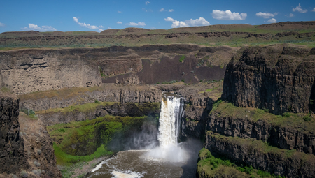 The Palouse Falls, mid day 写真素材 - 103012808