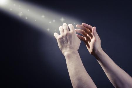 espiritu santo: Oraciones que se eleven las manos