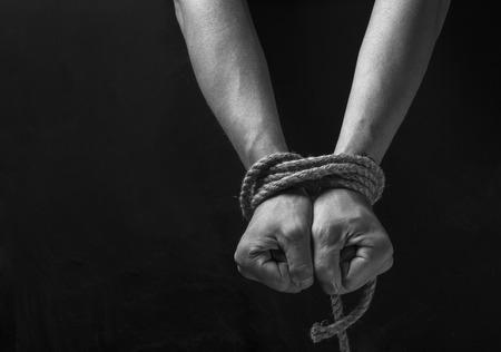 Handen van een ontbrekende ontvoerd