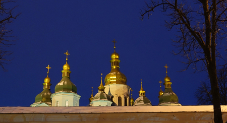 Domes of St. Sophia Cathedral in Kiev, winter evening Imagens