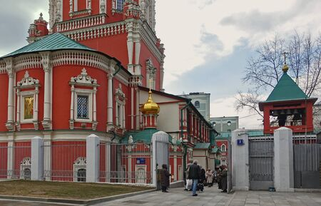 Moscow, Russia. April 14, 2019 At the entrance to the Church of the Epiphany on the Feast of the Annunciation, Moscow, Russia Редакционное