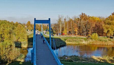 TAMBOV RUSSIA. October 23, 2018 Pedestrian bridge over the Tsna River in Tambov Редакционное
