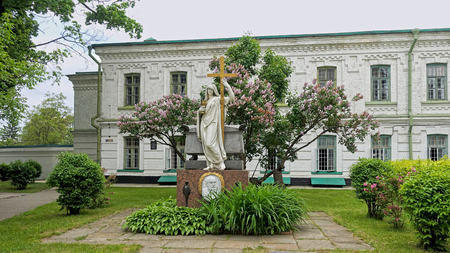 Ypsilanti Monument 1818 in the Kiev-Pechersk Lavra courtyard Standard-Bild