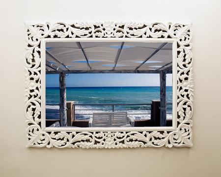 A windows frame open on seasight