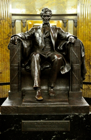 abraham lincoln: Abraham Lincoln on chair Editorial