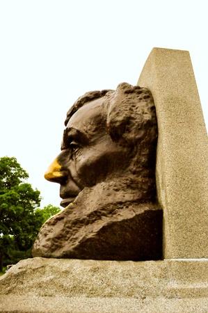gravesite: Abraham Lincoln Gravesite Statue Editorial