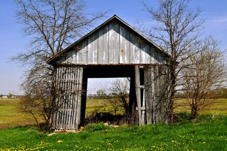 tipping: Barn tipping