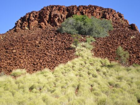 mountaintop: Mountain peak in the millstream chichester national park in western australia