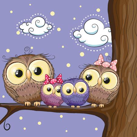4 つのフクロウの母、父、息子および娘は枝に座っています。